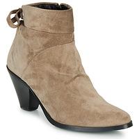 Shoes Women Ankle boots Regard RAKAF V3 CRTE VEL SILKY Beige