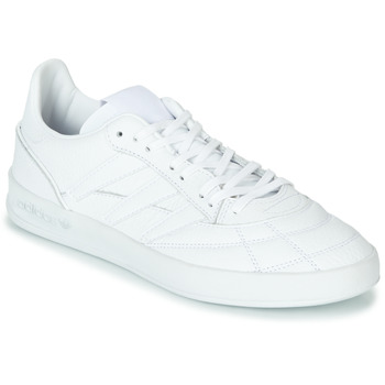 Shoes Men Low top trainers adidas Originals SOBAKOV P94 White