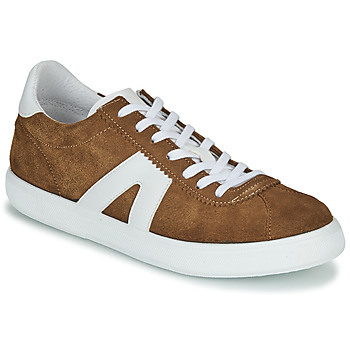 Shoes Men Low top trainers André GILOT Camel