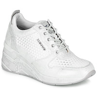 Shoes Women Low top trainers Mustang  Silver / White