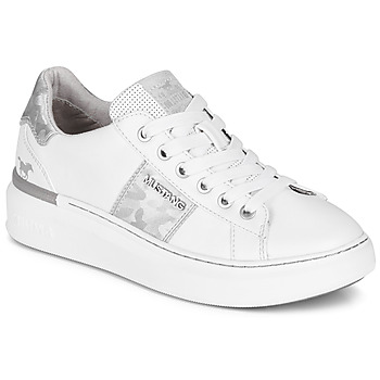 Shoes Women Low top trainers Mustang  White / Silver