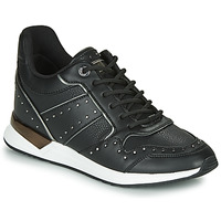 Shoes Women Low top trainers Guess  Black