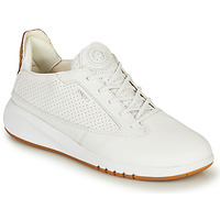 Shoes Women Low top trainers Geox D AERANTIS White