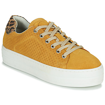 Shoes Women Low top trainers Bullboxer 987033E5C Yellow