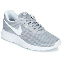 Shoes Women Low top trainers Nike TANJUN Grey / White