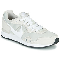 Shoes Women Low top trainers Nike VENTURE RUNNER Beige / White