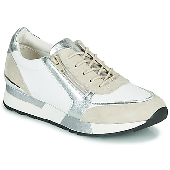 Shoes Women Low top trainers Karston SIALE White / Beige