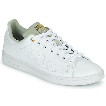 Shoes Women Low top trainers adidas Originals STAN SMITH W SUSTAINABLE White / Beige