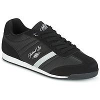 Shoes Men Low top trainers Umbro DELTRIN Black
