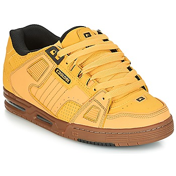 Shoes Men Low top trainers Globe SABRE Yellow