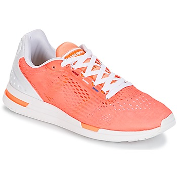Shoes Women Low top trainers Le Coq Sportif LCS R PRO W ENGINEERED MESH Papaya / Punch