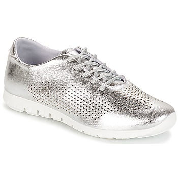 Shoes Women Low top trainers André AIKIDO Silver